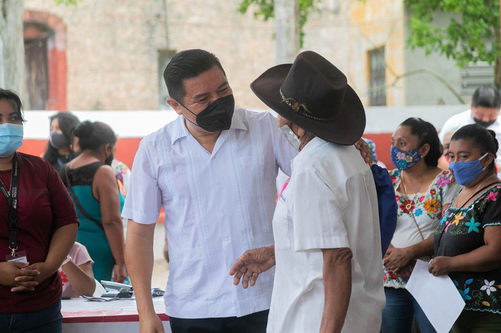 Alfredo Fernández visita comisarías